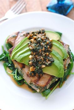 Grilled Citrus Tuna Steak with Avocado and Spinach - Outstanding for H-Burn and Phase Swap tamari for the soy sauce, and omit the teaspoon of sugar. Fish Recipes, Seafood Recipes, Cooking Recipes, Healthy Recipes, Cooking Tuna, Yummy Recipes, Clean Eating, Healthy Eating, Healthy Food