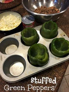 Easy stuffed green peppers recipe with few ingredients, inexpensive to make and pretty healthy too. Love this recipe for dinner and my kids do too, Try it.(Few Ingredients Dinner) Clean Eating, Healthy Eating, Green Pepper Recipes, Recipes With Green Peppers, Freezing Green Peppers, Easy Stuffed Peppers, Stuffed Pepper Recipes, Cooking Stuffed Peppers, Beef Recipes
