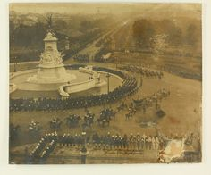 Photograph - Colonial Officers Guard of Honour, Buckingham Palace, Coronation of King George V, Jun 1911 University Of Melbourne, London Pictures, Family Trees, Vintage London, Places Of Interest, King George, Buckingham Palace, Queen Victoria, Jun