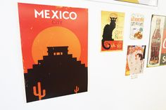 Mon mur de cadres et posters – Babymeetstheworld – Blog maman – Blog Voyages Mexico, Posters, City, Cover, Wall Of Frames, Vintage Decor, Travel, Poster, Cities