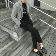 Korean Fashion – How to Dress up Korean Style – Designer Fashion Tips Korean Fashion Men, Korea Fashion, Boy Fashion, Fashion Outfits, Fashion Tips, Mens Fashion, Modern Outfits, Casual Outfits, Estilo Boyish