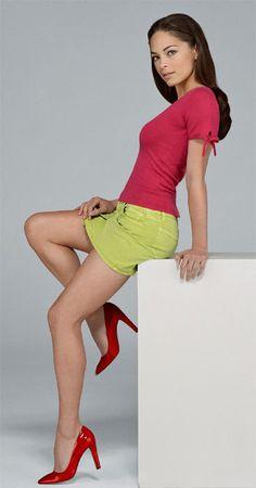 Kristin Kreuk's legs & heels