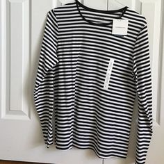Black and white striped tee Black and white striped tee, long sleeve. NEVER WORN! Great condition! Cotton material! Croft & Barrow Tops Tees - Long Sleeve
