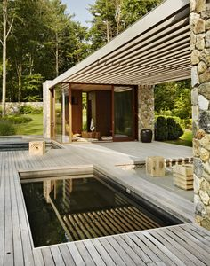 Location: Westport, Connecticut, US Architects: SPAN Architects Photography: François Dischinger The owner's brief for the project included a new pool and pool house with koi pond, hot tub, e… Small Backyard Pools, Small Pools, Backyard Pergola, Pergola Ideas, Swimming Pool Designs, Swimming Pools, Mini Piscina, Gazebos, Modern Pools