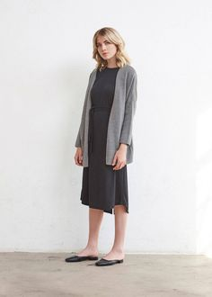 The Oversized Sweater + The Long Cardigan | 5 pieces = 30 outfits | The Minimal Capsule #capsulewardrobe #womensfashion #ethicalfashion #sweaters #minimal