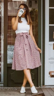 50 Pretty Casual Dress Ideas For WomenWomen have more choices than ever to strut their stuff in casual dress. Dressing casual is as simple as it appears, and with a few tips girls can learn how to use casual dress. Stylish Dresses For Girls, Modest Dresses, Maxi Dresses, Modest Outfits, Indian Fashion Dresses, Girls Fashion Clothes, Girl Fashion, Boho Outfits, Fashion Outfits