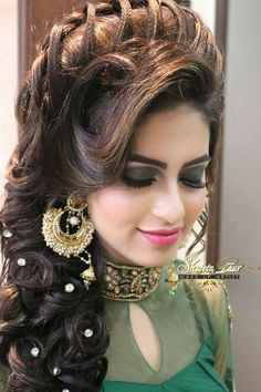 girls hair style Images Neema Dhiman - ShareChat - Funny, Romantic how to style girls hair - Hair Style Girl Indian Wedding Hairstyles, Bride Hairstyles, Hairstyles Haircuts, Funny Hairstyles, Romantic Hairstyles, Pakistani Bridal Makeup Hairstyles, Amazing Hairstyles, School Hairstyles, Latest Hairstyles