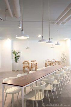 Artwork For Home Decoration Cafeteria Design, White Restaurant, Cafe Restaurant, Coffee Shop Design, Cafe Design, Study Cafe, Juice Bar Design, White Cafe, Restaurant Interior Design