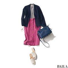ピンクのタイトスカートは、カジュアル服を今年らしく&女っぽく仕上げてくれるすぐれもの。等身大のフェミニンさをねらいたい同期会では、主役スカートをカットソーとフラット靴で気楽に仕上げて。昼はジャケットさえあれば、会議も問題なし。鮮やかなブルーのきれいめバッグを選ぶと、爽やかなムード・・・