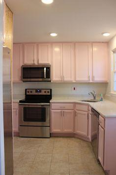 Pastel Kitchen Decor, Home Decor Kitchen, Kitchen Design, Kitchen Ideas, Pink Kitchen Cabinets, Yellow Cabinets, Studio Kitchen, Glam Room, Aesthetic Room Decor