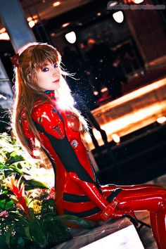Character: Asuka Langley Soryu / From: 'Neon Genesis Evangelion' Anime Series / Cosplayer: Maria Sol (aka LuIubird) / Photo: Darkain / Event: Katsucon 2010