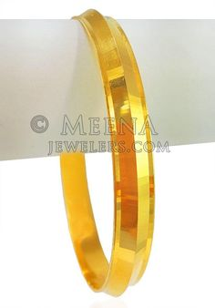 kada is handcrafted with Laser cut work in combination with shine finish. Gold Bangles For Women, Mens Gold Bracelets, Mens Gold Jewelry, Kids Bracelets, Baby Jewelry, Gold Chain Design, Gold Bangles Design, Gold Jewellery Design, Where To Sell Gold