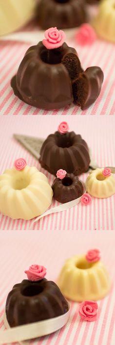 Frau Zuckerfee: Mini-Guglhupf mit Schokoladenüberzug