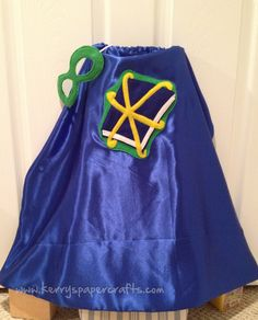 OK now that Christmas is over, I can share all of my handmade gifts with you!  This all started with Pinterest (shocking, I know). I saw these adorable Superhero capes and was inspired to make some for my nephew. He is just over 2 years old and is ALL boy. I wasn't quite sure how hard these w