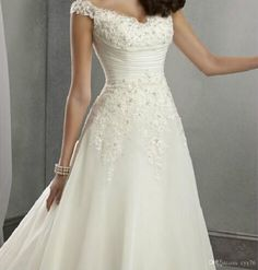 In Stock Vintage Wedding Dresses With A-Line Chapel Lace 2015 White/Ivory Sleeveless Sweep Train Bridal Ball Gowns Dresses 6 8 10 12 14 16, $100.53 | DHgate.com