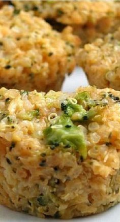 Quinoa Bites Clean Eating: Broccoli Cheddar Quinoa Bites Replace the yellow with Green onion to make an amazing little side dish.Clean Eating: Broccoli Cheddar Quinoa Bites Replace the yellow with Green onion to make an amazing little side dish. Baby Food Recipes, New Recipes, Vegetarian Recipes, Cooking Recipes, Healthy Recipes, Atkins Recipes, Vegan Meals, Chicken Recipes, Diabetic Recipes