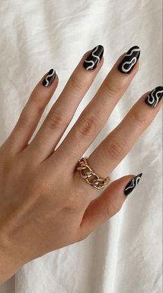 Edgy Nails, Funky Nails, Stylish Nails, Swag Nails, Funky Nail Art, Black Nail Art, Neutral Nail Art, Brown Nail Art, Neutral Nail Designs