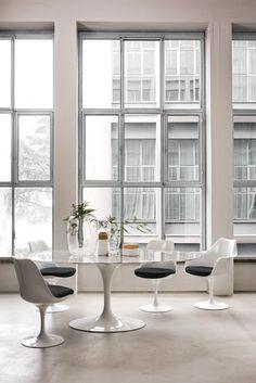 Knoll Saarinen Table & Tulip Chairs | buy it in Domésticoshop.com
