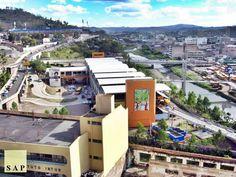 El antiguo parque la Isla donde se encontraban unas canchas y piscina fue transformado en un mercado bien organizado, el mismo está conectado por puentes peatonales con el área cercana al Puente Mallol y en la parte posterior del mercado se cuenta con un paso a desnivel que lo comunica con el sur de Tegucigalpa y la primera avenida de Comayaguela Honduras