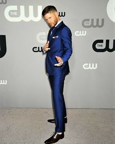 Jensen Ackles à CW Upfronts2018 #CWUpfront Sûr tapis magnifique et super élégant Jensen.