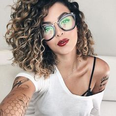 Want to wake up with curls but can& decide between spiral perm vs regular perm? We& telling you everything you need to know about spiral perm hairstyles! Curly Hair Styles, Curly Hair Cuts, Frizzy Hair, Spiral Perm Short Hair, Medium Length Curly Hairstyles, Loose Spiral Perm, Medium Curly Bob, Long Curly Bob, Layered Curly Hair
