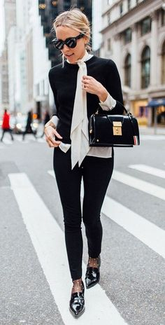 30 Spring Work Outfits To Try Right Now - Work Outfits Women Fall Outfits For Work, Casual Work Outfits, Mode Outfits, Work Casual, Fashion Outfits, Spring Outfits, Outfit Work, Fashion Ideas, Fashion Inspiration