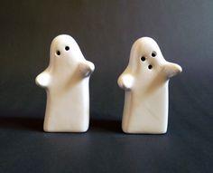 Spooky Ghost Ceramic Salt and Pepper Pots by FoxandThomas #Ghost #Alt_&_Pepper