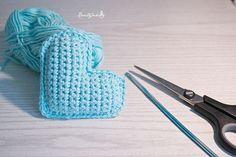NÁVOD - prostírka ve tvaru kytičky Knitted Heart, Knitting, Crochet Hearts, Pdf, Hearts, Tricot, Breien, Stricken, Weaving