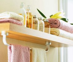 Remember this instead of a ring on the wall. 31 Creative Storage Idea For A Small Bathroom Organization | Shelterness