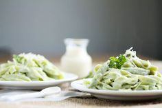 Homemade Spinach Fettuccine | This homemade spinach pasta recipe is easier than you might think - and it's the perfect accompaniment to a classic fettuccine alfredo or red pasta sauce!