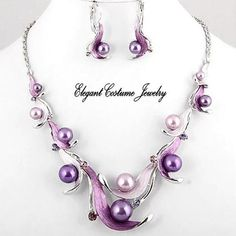 purple pearl necklace... Oh my, I love these!