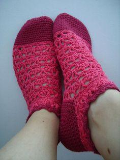 Great crocheted socks! Mami estas son las que quiero !!! :-)