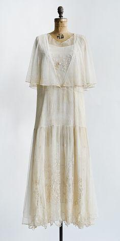 Tendrils of Ivory Dress | Vintage 1920s ivory embroidered tulle dress #1920s #vintagedress
