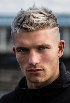 The spiky hairstyles of today are tender,we've prepared some modern ideas of spiked hair, here are the most stylish spiky hair tips for guys. Stylish Haircuts, Best Short Haircuts, Cool Haircuts, Haircuts For Men, Clean Cut Men, Short Hair Cuts, Short Hair Styles, Fade Haircut Styles, High Fade Haircut