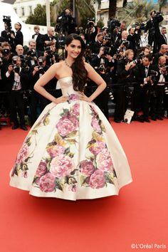 Les plus belles robes du Festival de #Cannes2013: #Sonam #Kapoor