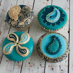 Henna inspired paisley, Indian/ Asian wedding cupcakes
