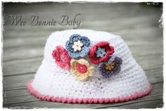 Fishermans' hat - Nicole Colour combination: White with Pink Edge and Flower Fisherman's Hat, Crochet Accessories, Color Combinations, Boy Or Girl, Crochet Hats, Colours, Texture, Flower, Pink