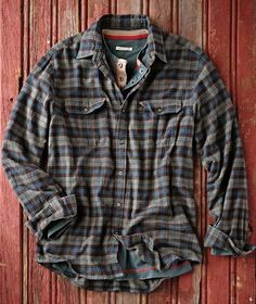 Upgrade your casual wear with jackets, shirts, sweaters, shoes & more that are effortlessly cool & always comfortable. Mens Flannel Shirt, Sweater Shirt, Cool Outfits, Casual Outfits, Men Casual, Winter Shirts, Tactical Clothing, Gentleman Style, Shirt Style