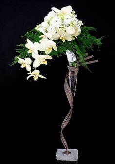 Thai Thomas Mai Van floral art designer bouquet de marié bridal bouquet https://sites.google.com/site/artfloralikebana/mariage---wedding/bouquet-de-marie