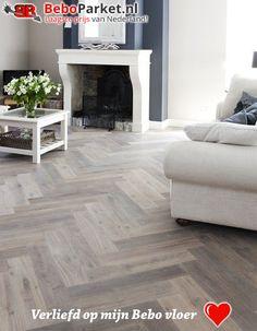 Living Room Flooring, Home Living Room, Living Room Designs, Living Room Decor, Floor Design, House Design, Parquet Flooring, Floors, Interior Design Inspiration