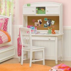 Costco: Cafekid Hailey Desk, Hutch and Chair