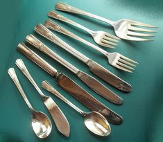 SOVEREIGN BuY the Piece Rogers 1939 International Silverplate Flatware #International1847Rogers