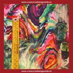 Tela con motivo hippie colours, doble ancho, corte desde 25cms. Corte desde 25cms x 145cms.