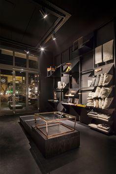 14-bazar-noir-concept-store-berlin-by-hidden-fortress