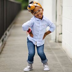 Awwww For my younger black girls. Love her outfit. She looks adorable Fashion Kids, Little Girl Fashion, Fashion Black, Fashion Fashion, Fashion Shoes, Luxury Fashion, Vintage Fashion, Fashion Trends, Beautiful Children