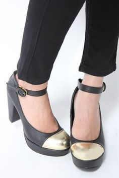 Metal toe shoes / ShopStyle: メタリックトゥパンプス