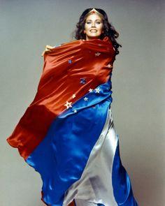 Lynda Carter as Wonder Woman. My hero as a child! Linda Carter, Christopher Eccleston, Wonder Woman, Doctor Who, Old Posters, Dc Memes, Shows, Supergirl, Batgirl