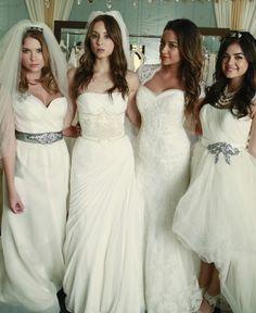 PLL 4x23 Emily Spencer Hanna y Aria vestidas de novia