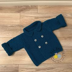Pretty Cardigan coat, double-breasted, knitted by hand in a soft and warm  wool, teal, baby blue months). marcia tomasi · bebe tricot crochet 257a5619ff6