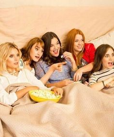Valentina, Katja, Malena, Ana et Carolina Sou Luna Disney, Cimorelli, Image Fun, Sofia Carson, Cute Cartoon Wallpapers, Son Luna, Sabrina Carpenter, Best Friends Forever, Girl Day